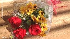 Tại sao 20/11 người ta thường hay tặng hoa cho thầy cô?